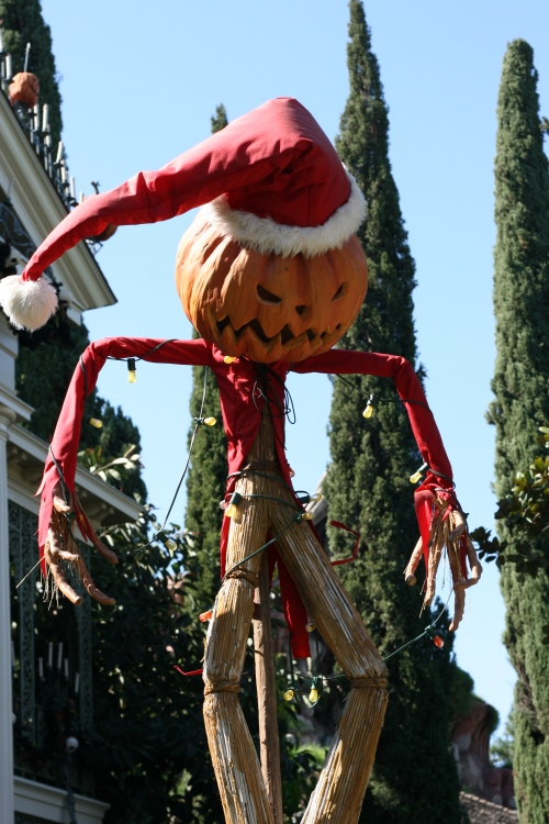Haunted Mansion Holidays at Disneyland {saving up for disne}