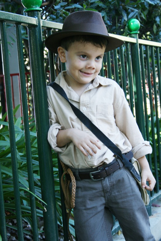 Indiana Jones Halloween costume {Saving Up for Disney}
