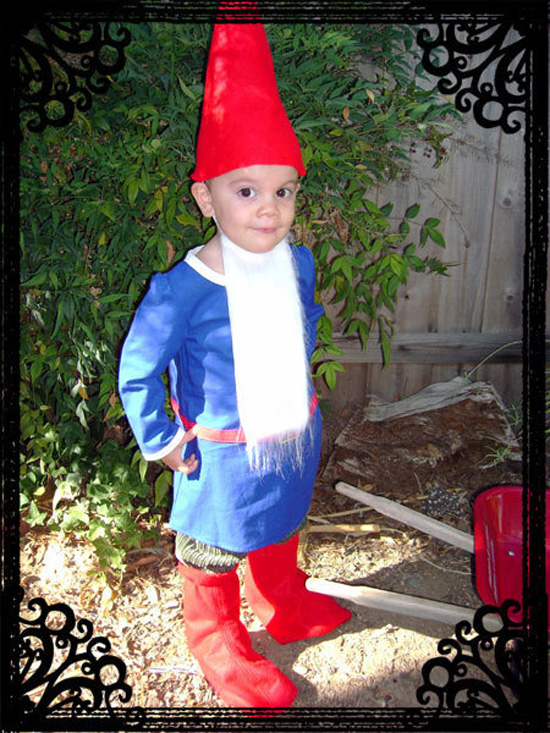 Garden Gnome Halloween costume {Saving Up for Disney}