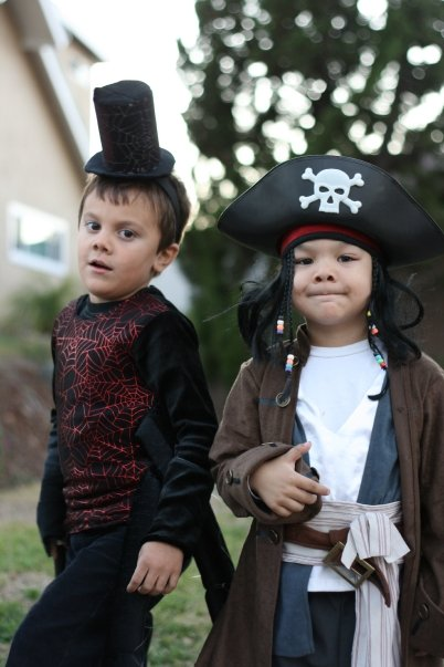 Halloween costumes on the cheap {Saving Up for Disney}